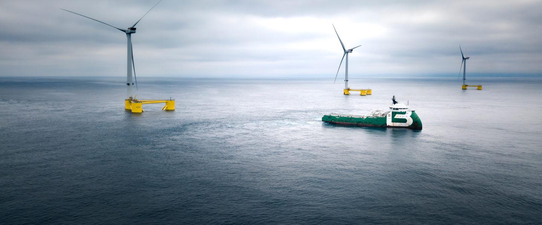 DOCK90_WindFloat Atlantic_Hook-up